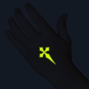 0002548_glow-in-the-dark-black-cross-temporary-tattoo